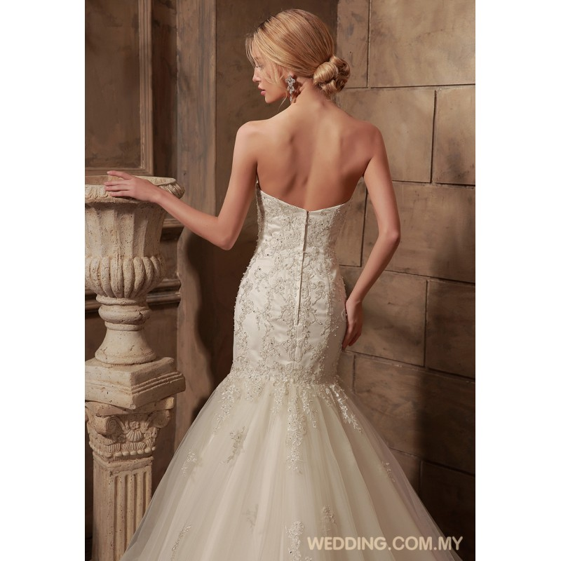 Sweetheart fit and flare tulle wedding gown wedding gowns for Fit and flare tulle wedding dress