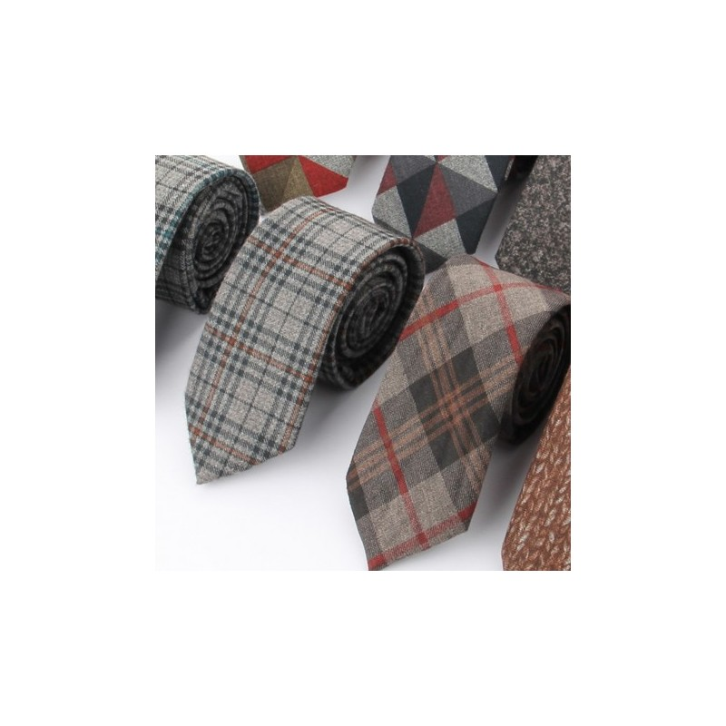 Europe Vintage Style Knit Plaids Skinny Tie Fashion